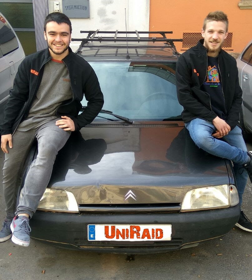 Dos estudiants d'Enginyeria participen al Uniraid 2018.