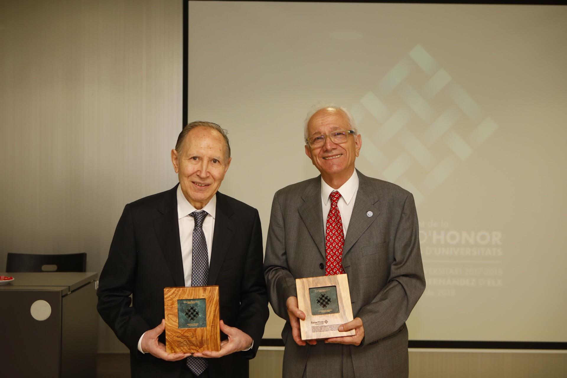 El pare Josep Massot i Manuel Lladonosa, guardonats amb la Medalla d'Honor de la Xarxa Vives