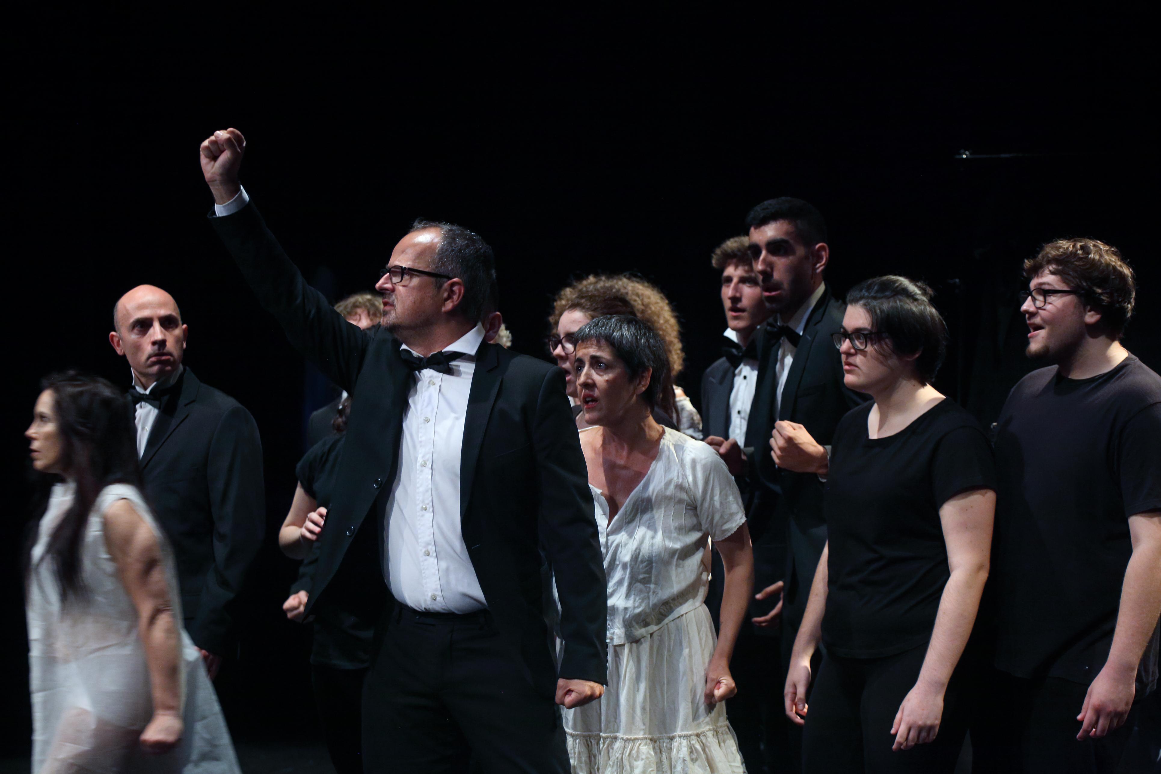 """Escena de l'obra """"Mary de Frankenstein"""". Aula de teatre de la Universitat Politècnica de València"""