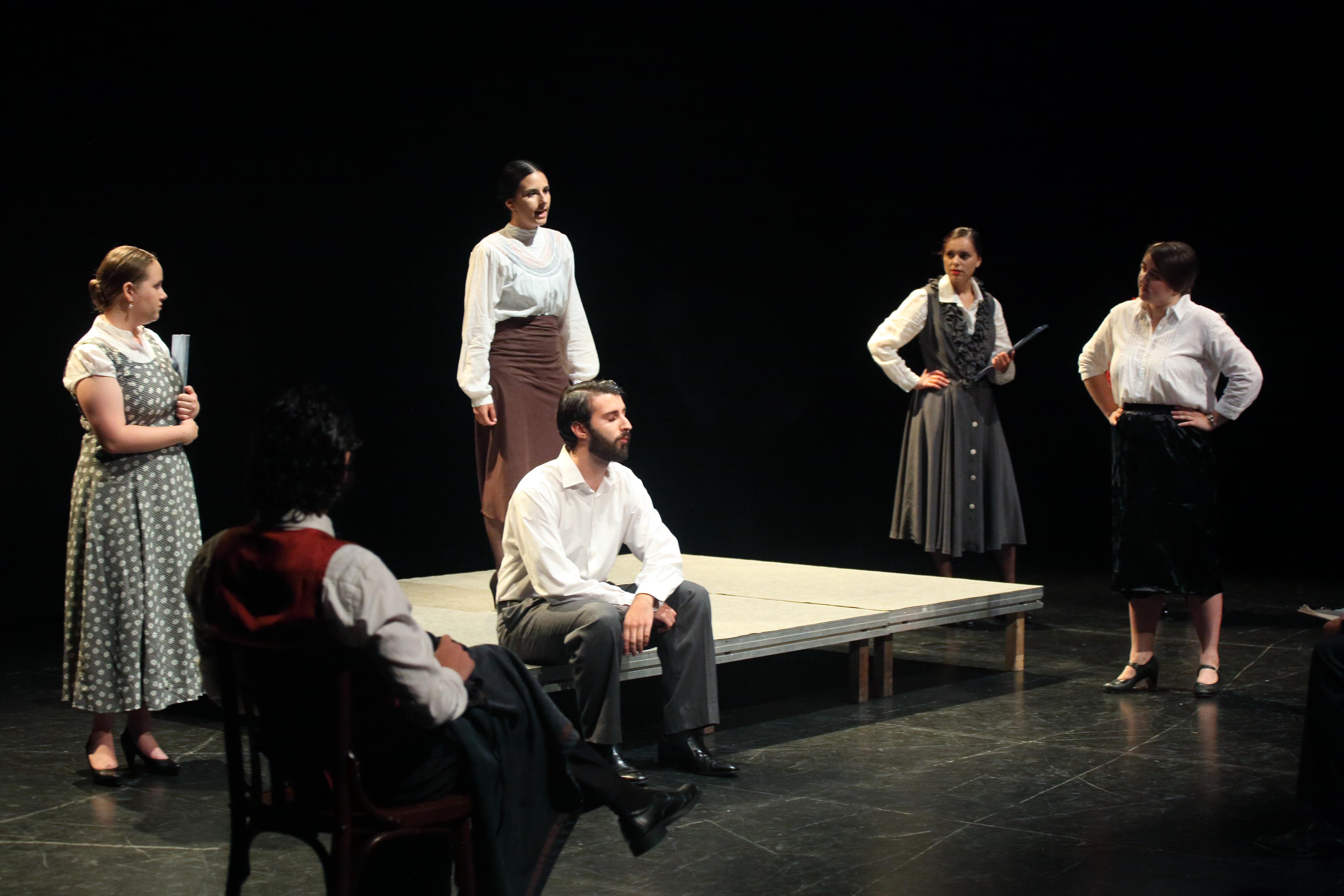En defensa de la cultura 1937-2018. ASSAIG, Grup de teatre de la Universitat de València