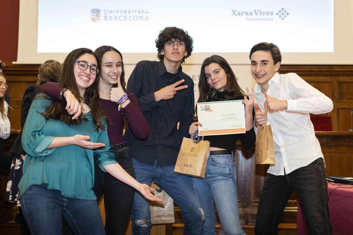 Equip campió de la fase local de la Universitat de Barcelona a la Lliga de Debat